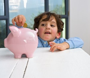 young children saving money
